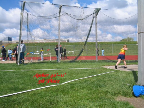 Amber throwing discus at the Lincoln Jets Invitational, May 2